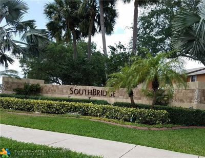 Pembroke Pines Condo/Townhouse For Sale: 325 NW 106th Ter #325