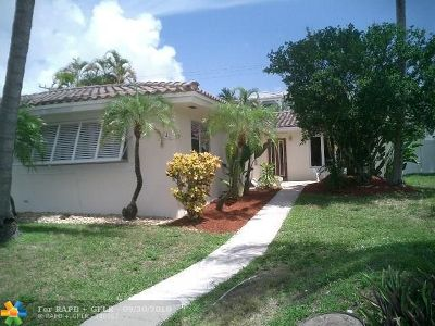 Lauderdale By The Sea Multi Family Home For Sale: 4542 Sea Grape Dr
