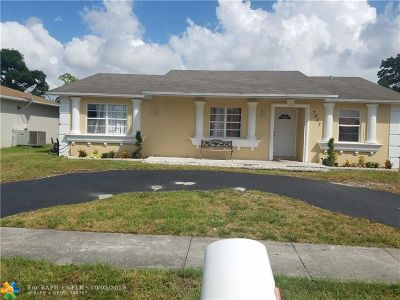 North Lauderdale Single Family Home For Sale: 7807 SW 6th St