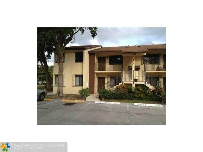 Deerfield Beach FL Condo/Townhouse For Sale: $154,900