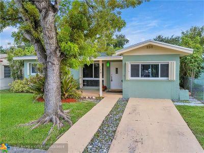 Dania Beach Single Family Home For Sale: 279 SW 8th St