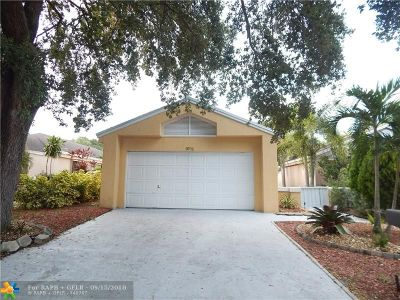 Coconut Creek Single Family Home For Sale: 3721 NW 19 St