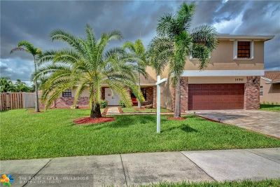 Davie Single Family Home For Sale: 14741 Kirsten Ct