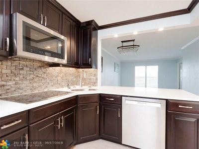 Sunrise Condo/Townhouse For Sale: 2764 NW 104th Ave #407