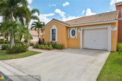 Coral Springs Condo/Townhouse For Sale: 5695 NW 119th Way #5695