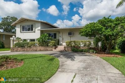 Fort Lauderdale Single Family Home For Sale: 2555 Okeechobee Ln