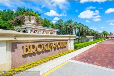 Boca Raton Single Family Home For Sale: 2455 NW 63rd St