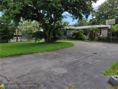 Oakland Park Single Family Home For Sale: 3610 Lloyd Dr