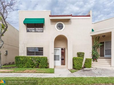 Deerfield Beach Condo/Townhouse For Sale: 323 NW 36th Ave #323