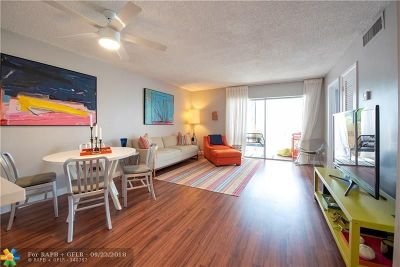 Fort Lauderdale Condo/Townhouse For Sale: 660 Tennis Club Dr #308