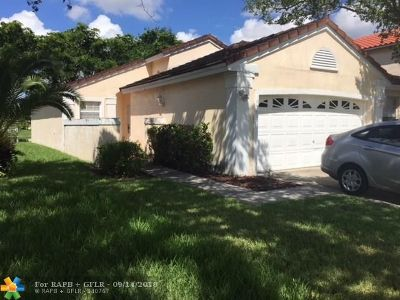 Pembroke Pines Single Family Home For Sale: 1956 NW 182nd Ave