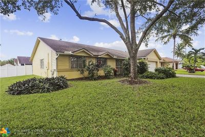 Pembroke Pines Single Family Home For Sale: 740 SW 99th Ter