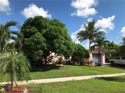 Lauderhill Single Family Home For Sale: 7811 NW 44th Ct