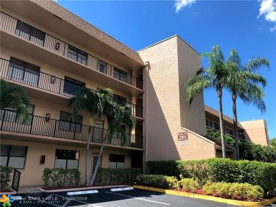 Sunrise Condo/Townhouse For Sale: 2901 N Nob Hill Rd #305