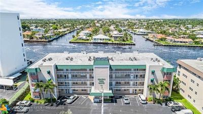 Pompano Beach Condo/Townhouse For Sale: 711 N Riverside Dr #105