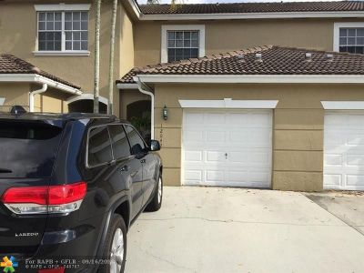 Pembroke Pines Condo/Townhouse For Sale: 12042 SW 5th Ct #12042