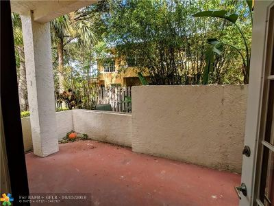 North Lauderdale Condo/Townhouse For Sale: 1413 Avon Ln #118