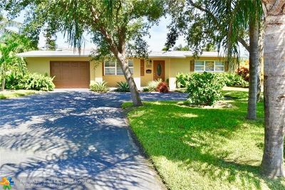 Pompano Beach Single Family Home For Sale: 2375 NE 8th St