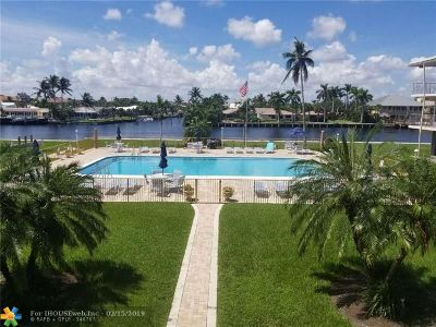 Deerfield Beach Condo/Townhouse For Sale: 745 SE 19th Ave #228