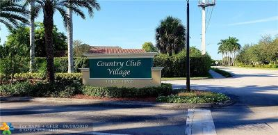 Weston Condo/Townhouse For Sale: 16400 Golf Club Rd #211