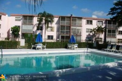 Pompano Beach Condo/Townhouse For Sale: 4384 NW 9th Ave #20-3C
