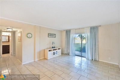 Coral Springs Condo/Townhouse For Sale: 3475 Brokenwoods Dr #102