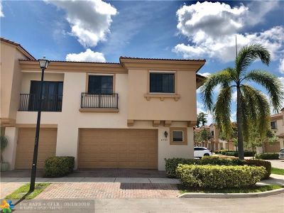 Coconut Creek Condo/Townhouse For Sale: 4780 Grand Cypress Cir