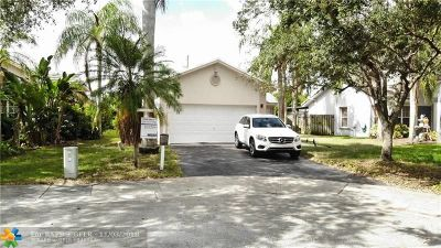 Davie Single Family Home For Sale: 12645 SW 7th Pl