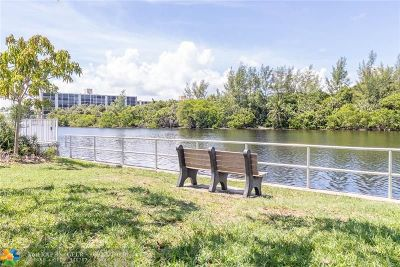 Deerfield Beach Condo/Townhouse For Sale: 333 NE 19th Ave #401