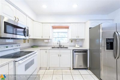Fort Lauderdale, Lauderdale By The Sea, Lighthouse Point, Oakland Park, Pompano Beach Single Family Home For Sale: 2747 NE 20th St
