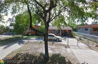 Miami Single Family Home For Sale: 14730 NE 10 Av