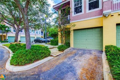 Coral Springs Condo/Townhouse For Sale: 6524 W Sample Road #6524