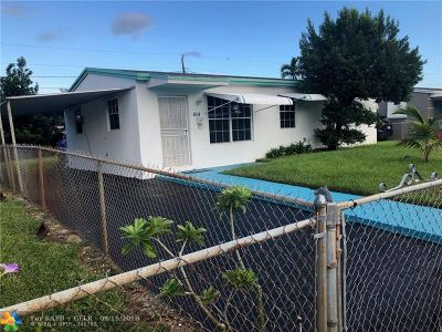 Broward County Single Family Home For Sale: 601 N 69th Ave
