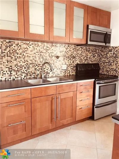 Fort Lauderdale Condo/Townhouse For Sale: 6847 NW 30th Ave #5D