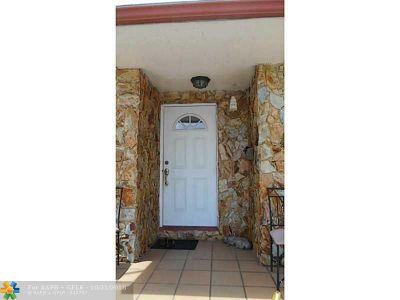 Broward County Single Family Home For Sale: 7707 Sheridan St