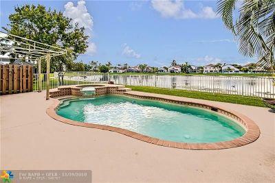 Lake Worth Single Family Home For Sale: 7671 Santee Ter