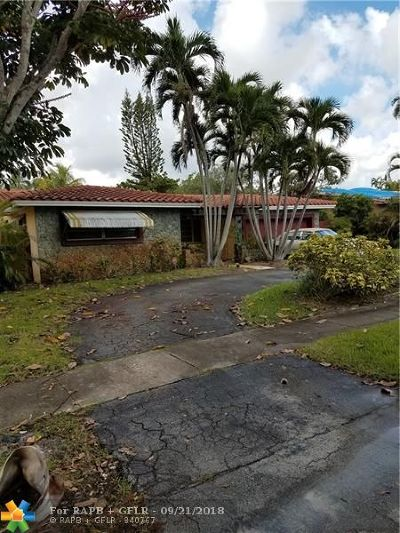Broward County Single Family Home For Sale: 3840 N 42nd Ter