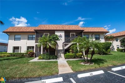 Lake Worth Condo/Townhouse For Sale: 7178 Golf Colony Ct #203