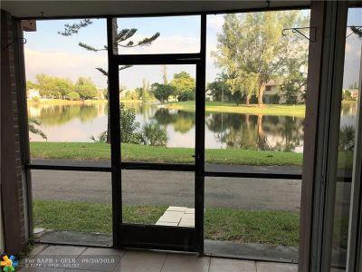 Lauderhill Condo/Townhouse For Sale: 3670 Inverrary Dr #1L