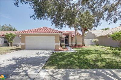 Delray Beach Single Family Home For Sale: 1255 E Lancewood Pl