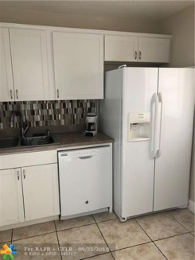 Hollywood Condo/Townhouse For Sale: 351 Cambridge Rd #108