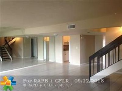 Lauderhill Condo/Townhouse For Sale: 5606 NW 19th St #4
