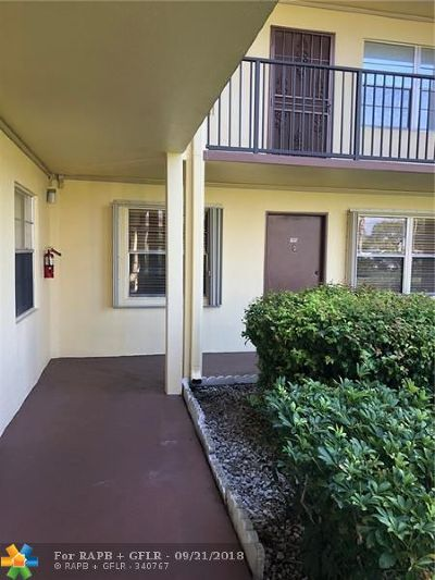 Pembroke Pines Condo/Townhouse For Sale: 151 SW 135th Ter #T107