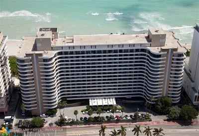 Miami Beach Condo/Townhouse For Sale: 5555 Collins Ave #9E