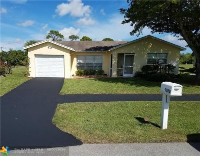 Lake Worth Single Family Home For Sale: 7260 Pine Forest Cir