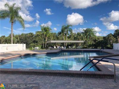 Coconut Creek Condo/Townhouse For Sale: 3100 NW 42 Av #D402