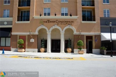 West Palm Beach Condo/Townhouse For Sale: 651 Okeechobee Blvd #208