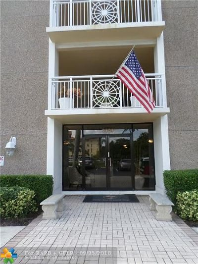 Lighthouse Point Condo/Townhouse For Sale: 3050 NE 48 Ct #303