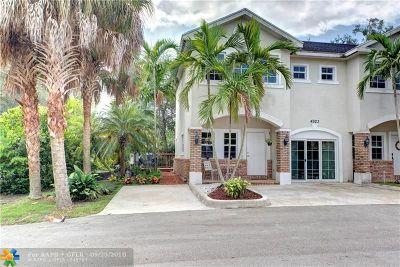 Davie Condo/Townhouse Backup Contract-Call LA: 4923 SW 65th Ave #4923