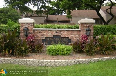 Plantation Condo/Townhouse For Sale: 8234 NW 8th Ct #8234
